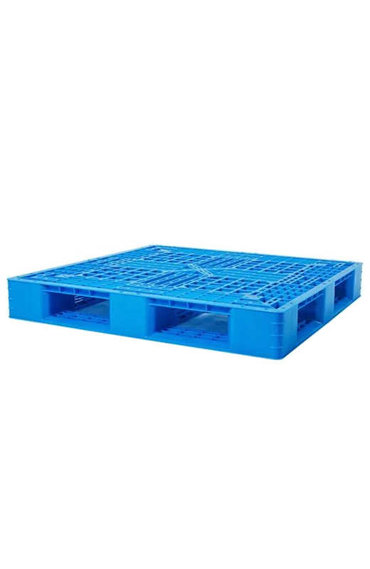 Unstacking Plastic Pallets